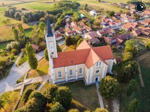 Crkva Uznesenja Blažene Djevice Marije na nebo u Molvama
